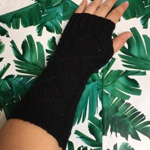 Accessories - Black Hand and Arm Warmers